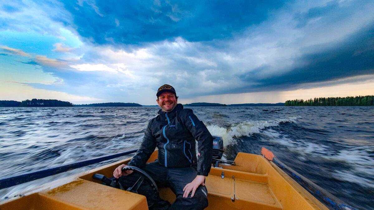 Boat Driving Muuttosaaret Savo Finland huebner photography